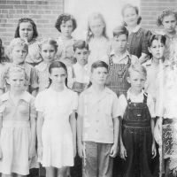 Carroll School elementary class, 1941-42. Courtesy of Stacy family